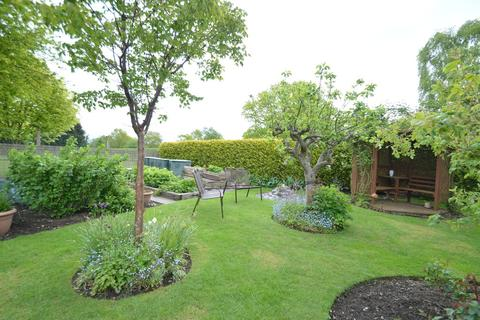 4 bedroom chalet for sale - North Street, Blofield
