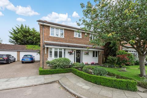 4 bedroom detached house for sale - Lamorbey Close, Sidcup, DA15