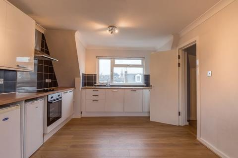 2 bedroom apartment to rent - Beaconsfield Road, New Southgate