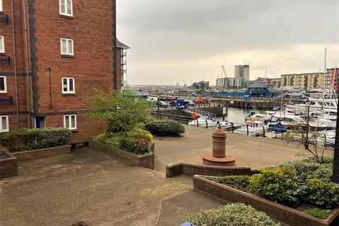 2 bedroom apartment for sale - Weavers House, Marina, Swansea