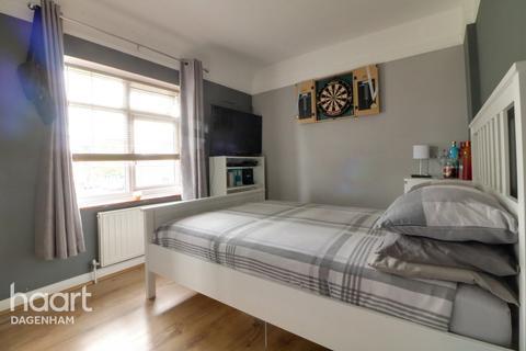 2 bedroom terraced house for sale - Heathway, Dagenham