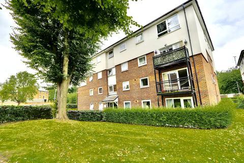 2 bedroom flat to rent - Keith Park Road, HILLINGDON, UB10