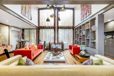 7 bedroom house to rent - Caroline Close London W2