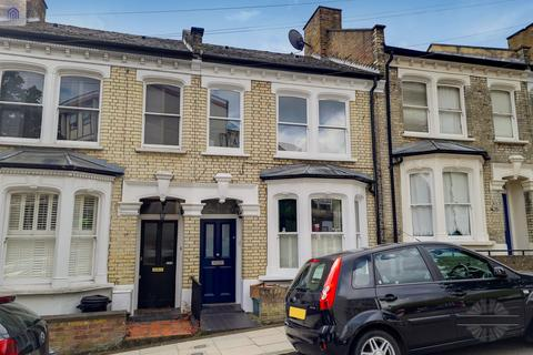 3 bedroom terraced house for sale - Poynings Road, London, N19 5LH