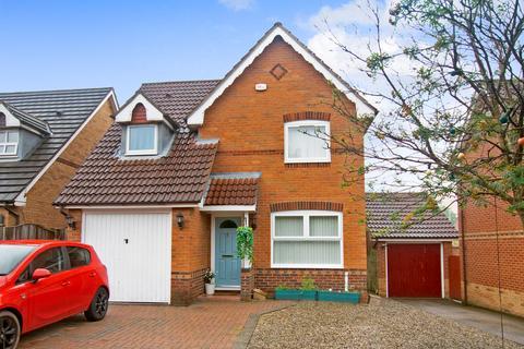 3 bedroom detached house for sale - Elm Tree Close, Colton, Leeds, LS15