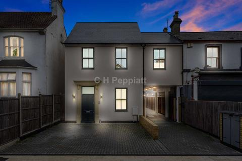 4 bedroom semi-detached house for sale - Leicester Rd, Barnet, EN5