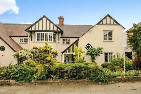 5 bedroom detached house to rent - London, NW2