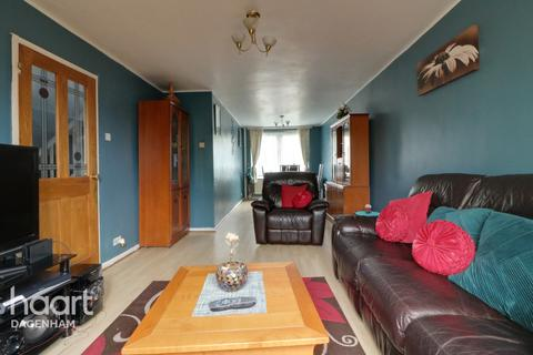 3 bedroom maisonette for sale - Gosfield Road, DAGENHAM
