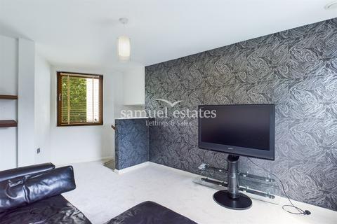2 bedroom flat to rent - Rope Street, London, SE16