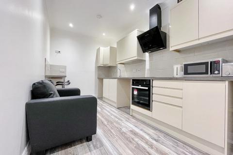 2 bedroom flat to rent - Bunkers Hill Lane, Bilston, West Midlands, WV146JX
