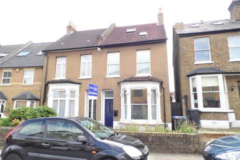 3 bedroom terraced house to rent - Vicars Moor Lane, London, N21