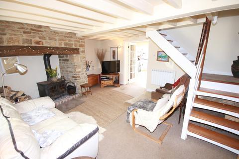 2 bedroom house for sale - Main Street, Belton In Rutland