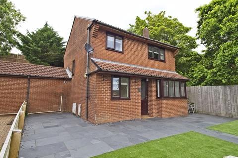 3 bedroom detached house for sale - Fenwick Drive Brackla Bridgend CF31 2LD