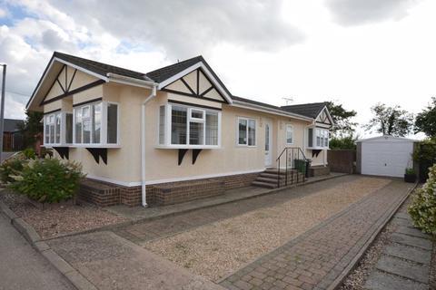 2 bedroom detached bungalow for sale - Redhill Park Watton