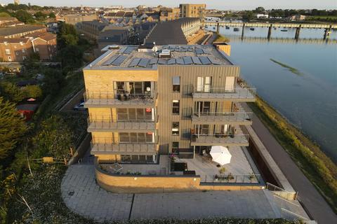 2 bedroom flat for sale - 73 Salt Marsh Road, Shoreham-By-Sea