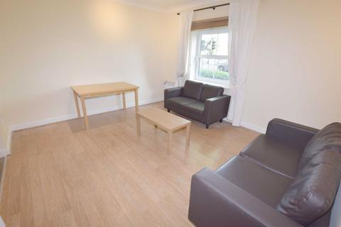 2 bedroom flat to rent - High Road, North Finchley, London, N12