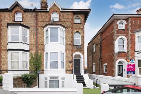 3 bedroom flat for sale - Belmont Road, Broadstairs