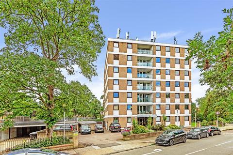 3 bedroom flat for sale - Queens Ride, Barnes