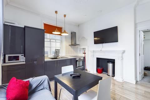 2 bedroom apartment to rent - St James Terrace, City Centre, , (£125 PPPW)