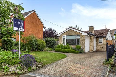 3 bedroom bungalow for sale - East End Road, Charlton Kings, Cheltenham, GL53