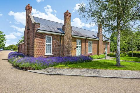 1 bedroom bungalow for sale - The Garden Quarter,  Bicester,  Oxfordshire,  OX27
