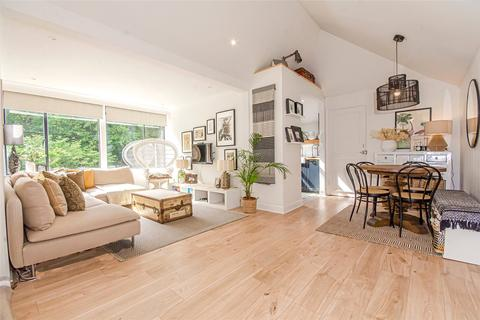 2 bedroom apartment for sale - Muswell Hill Road, London, N10