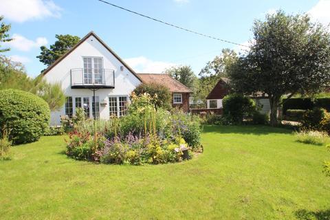 5 bedroom detached house for sale - Orchard House Rockbourne Road, Coombe Bissett, SP5 4LP