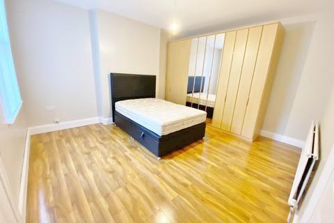 Studio to rent - Ecllesall Road , Sheffield S11