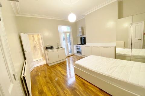 Studio to rent - Ecclesall Road , Sheffield S11