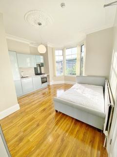 Studio to rent - Eccllesall Road, Sheffield S11