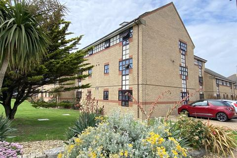 3 bedroom apartment for sale - King Charles Place, Emerald Quay, Shoreham Beach, West Sussex, BN43