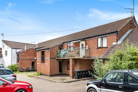 1 bedroom flat for sale - Drakes Court, East Street, NG31