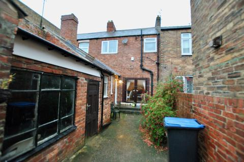 2 bedroom flat to rent - High Street South, Langley Moor DH7