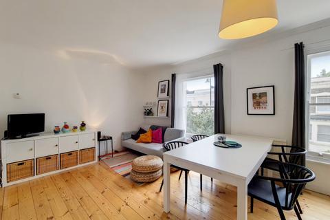 2 bedroom maisonette for sale - Ferndale Road, London