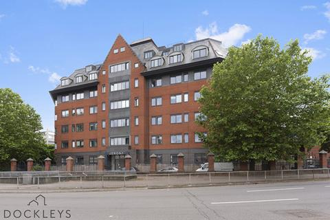 2 bedroom penthouse for sale - Verona Apartments, Slough, SL1