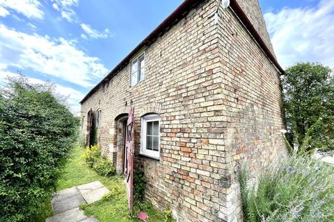 3 bedroom detached house for sale - The Barn High Street, Saxilby, Lincoln