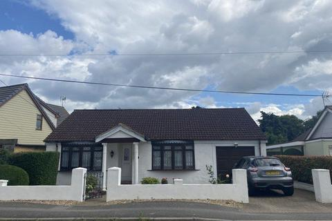 2 bedroom bungalow for sale - The Parkway, Canvey Island