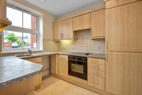 2 bedroom flat for sale - Dews Road, Salisbury