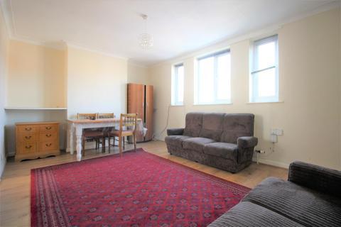 3 bedroom maisonette to rent - Green Lanes, London