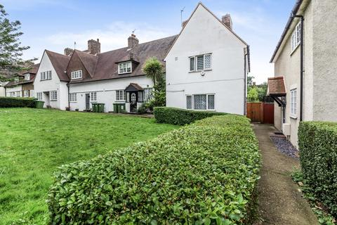 3 bedroom terraced house for sale - Well Hall Road London SE9