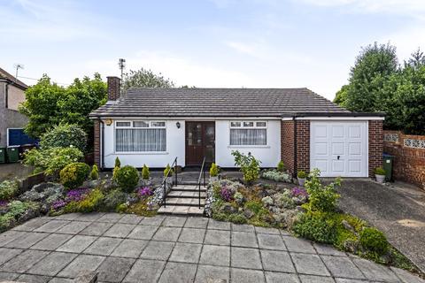 3 bedroom bungalow for sale - Barnehurst Avenue Bexleyheath DA7
