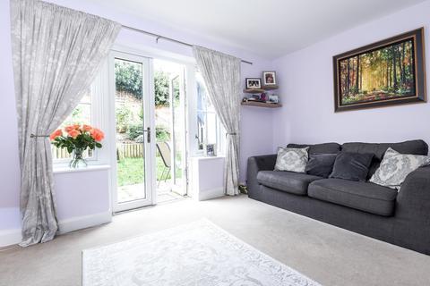 3 bedroom terraced house to rent - Warnham Grove Orpington BR5