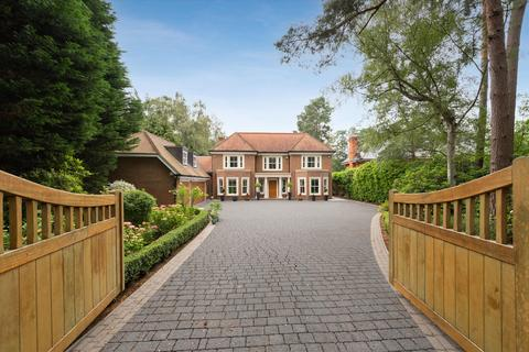 6 bedroom detached house to rent - Prince Consort Drive, Ascot, Berkshire, SL5