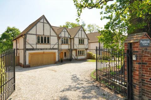 5 bedroom detached house to rent - Trumpsgreen Road, Virginia Water, Surrey, GU25