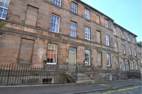 4 bedroom flat to rent - Canon Street, Edinburgh  Available Now