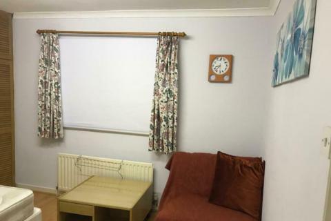 1 bedroom flat to rent - The Crescent, New Malden