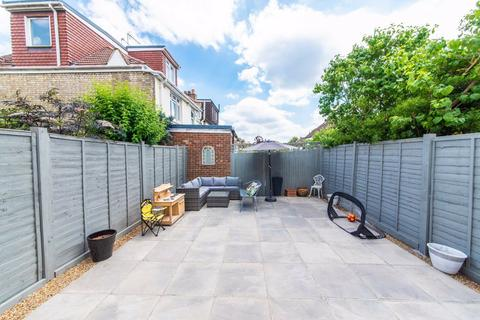 2 bedroom flat for sale - Squires Lane, Finchley, London, N3