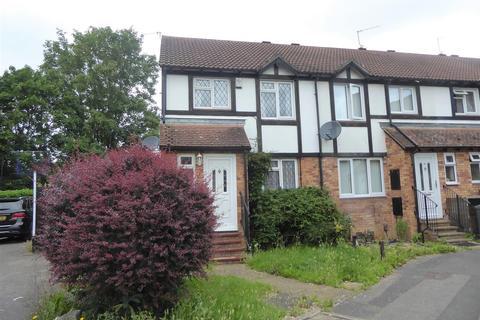 3 bedroom flat for sale - Ennerdale Close, Felltham