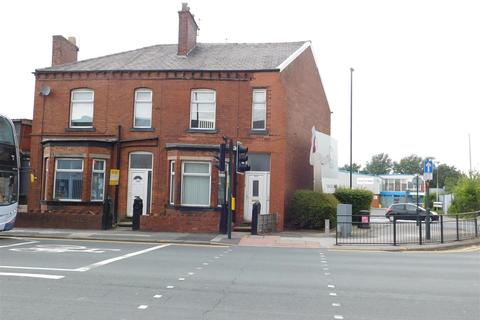 1 bedroom in a house share to rent - Oldham Road, Failsworth, Manchester