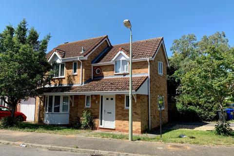 4 bedroom detached house to rent - Miles Hawk Way, Mildenhall